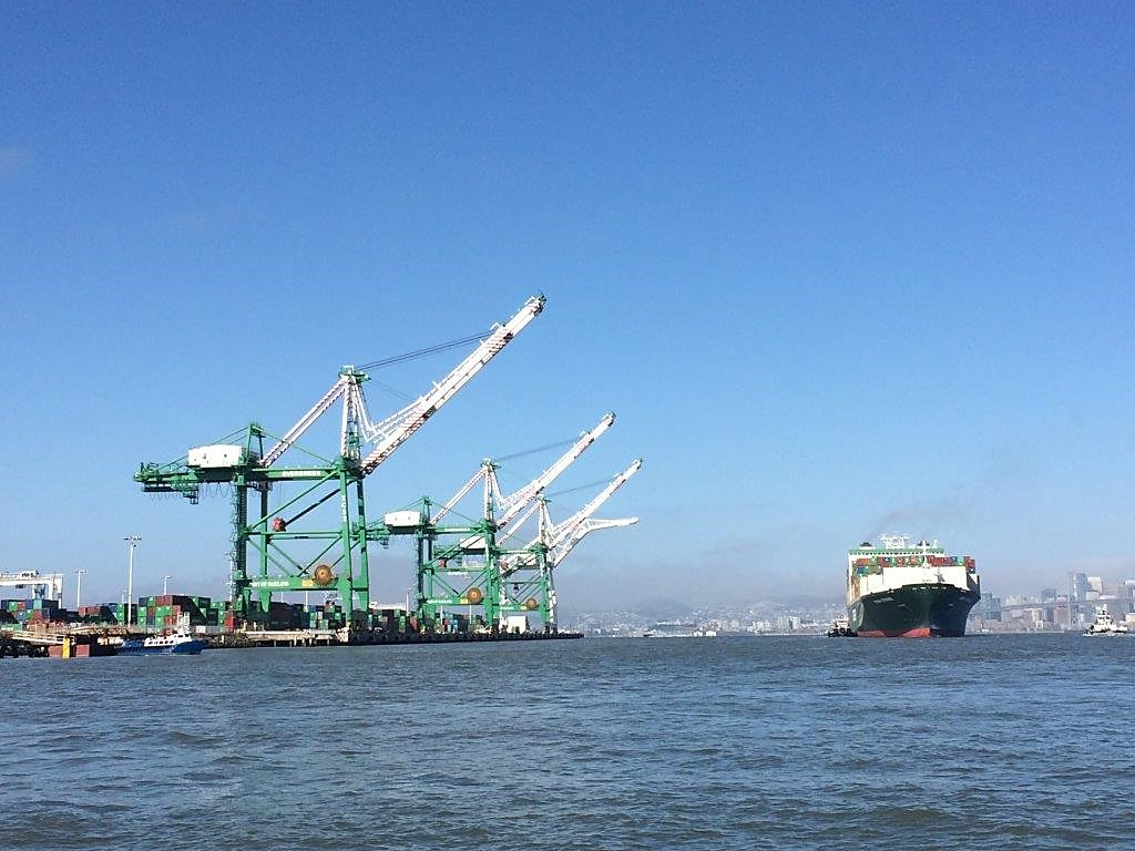 Container Vessel Setting Sail from Port of Oakland Outer Harbor Berths 35/37